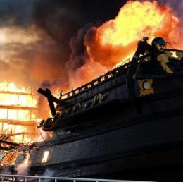 As vezes a única opção digna que nos resta é atear fogo no Navio!
